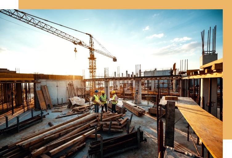 gestores de obras a planear projetos de construção civil